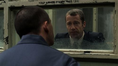 1x06-Family-Man-fear-itself-11645259-500-283