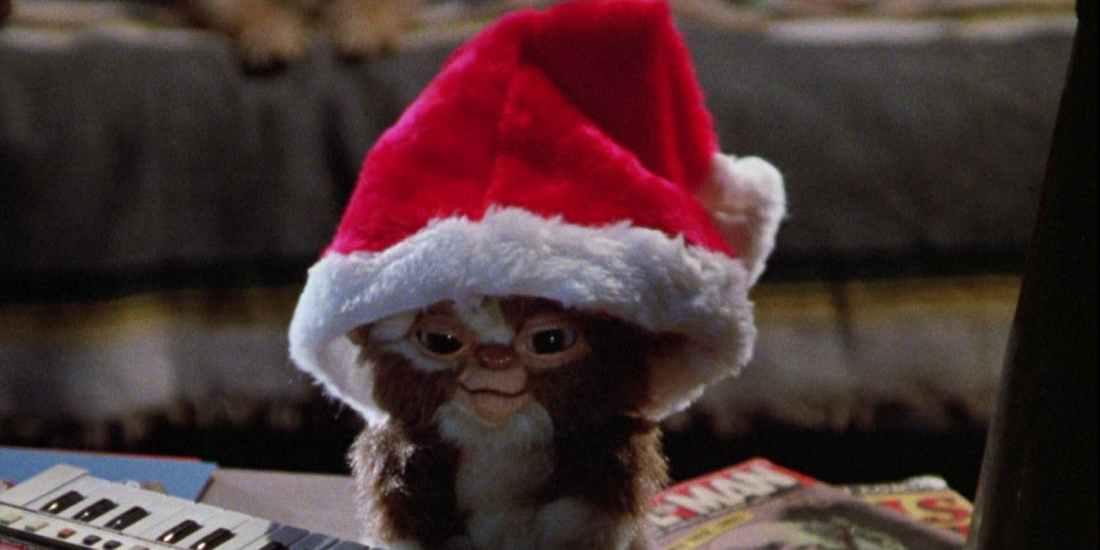 Gremlins-Gizmo-in-Santa-Hat